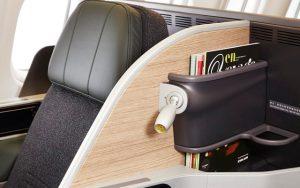 04 EVA Air Premium Laurel Class